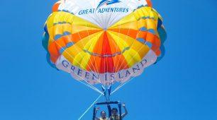 Parasailing Green Island
